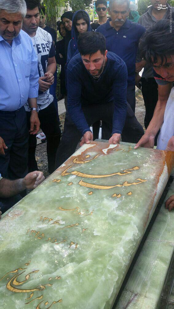 عکس/ سنگ مزار مرحوم حبیب محبیان در نیاسته