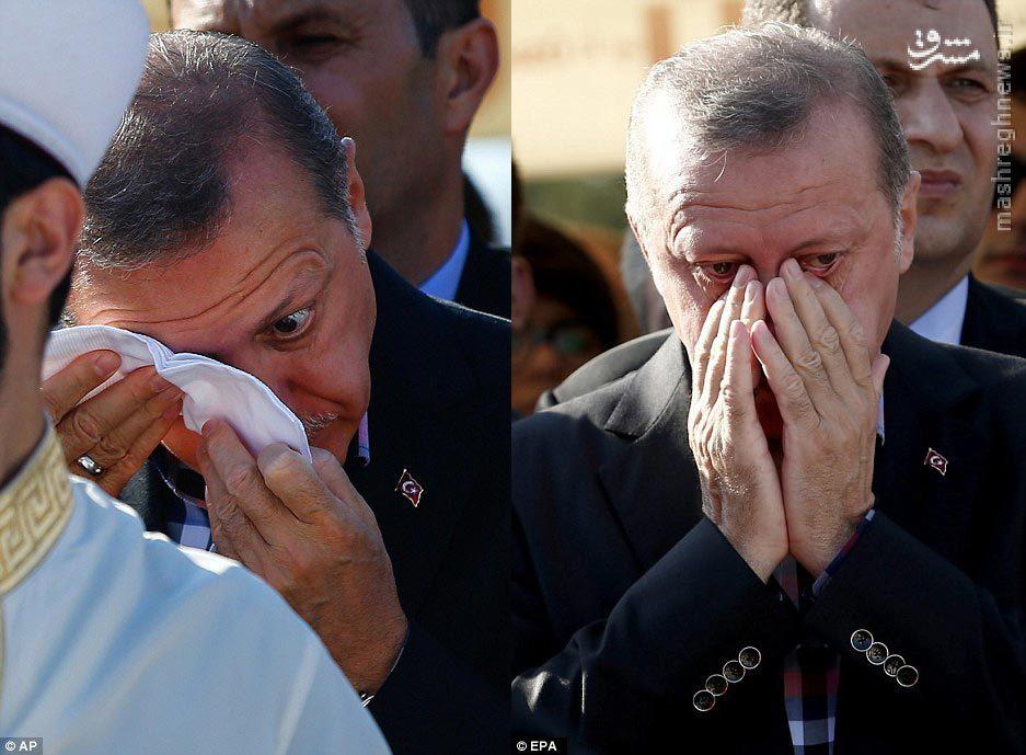 عکس/ گریه اردوغان در مراسم قربانیان کودتا