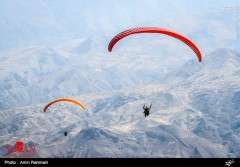 عکس/ پرواز پاراگلایدرها در آسمان الموت