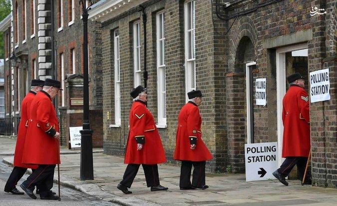 اعلام نتایج اولیه همهپرسی جدایی انگلستان از اتحادیه اروپا / کمپین خروج پیشتاز است / ارزش پوند ناگهان افت کرد +عکس