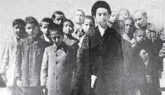 تصویری از رهبر انقلاب در کلاس ششم ابتدایی