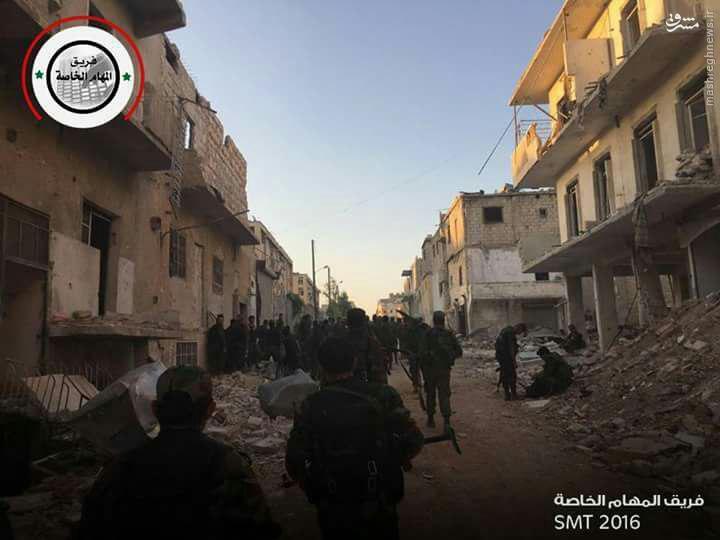 پای ارتش روی گلوی تروریستهای غوطه شرقی/درگیری های خونین داعش و رقبا در شمال حلب/ورود کردها به محلات منبج/اعدام فجیع 5 خبرنگار بدست داعش/در حال ویرایش نهایی