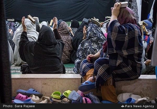 طنین «یا غَفَّارَ الذُّنُوبِ» در زندان زنان +عکس