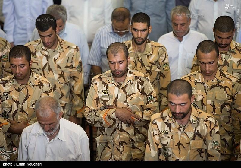 عکس/ سربازان اهل سنت در نمازجمعه تهران