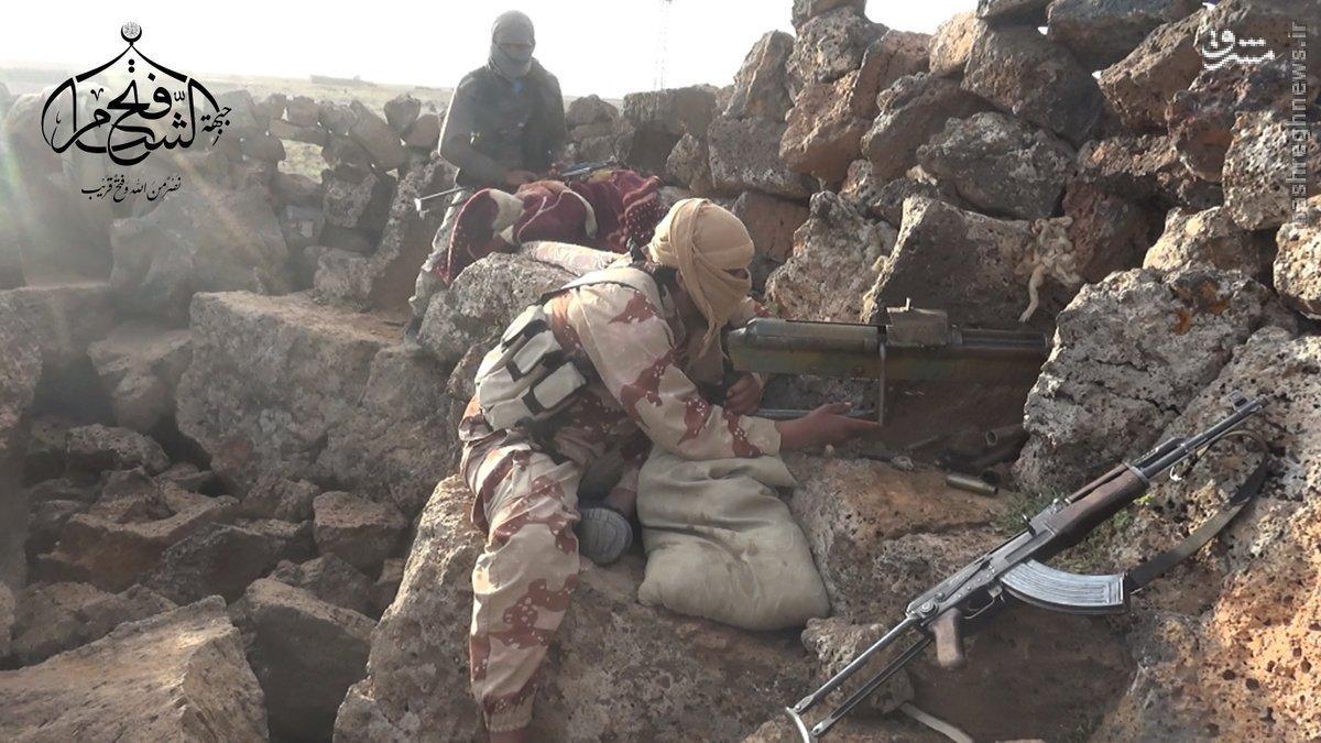 درگیری داعش و القاعده در جنوب سوریه+عکس