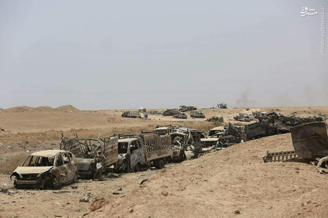 نابودی کاروان نیرو و تسلیحات داعش در رمادی+تصاویر