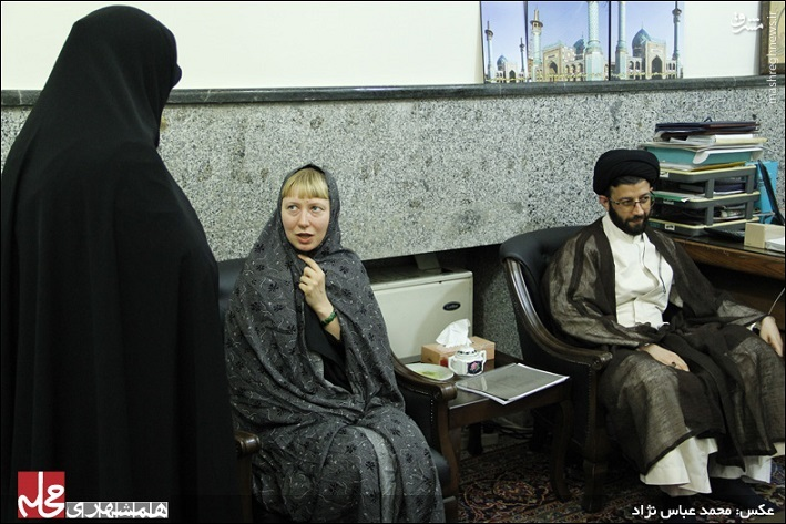 دختر اوکراینی در امامزاده صالح مسلمان شد +عکس