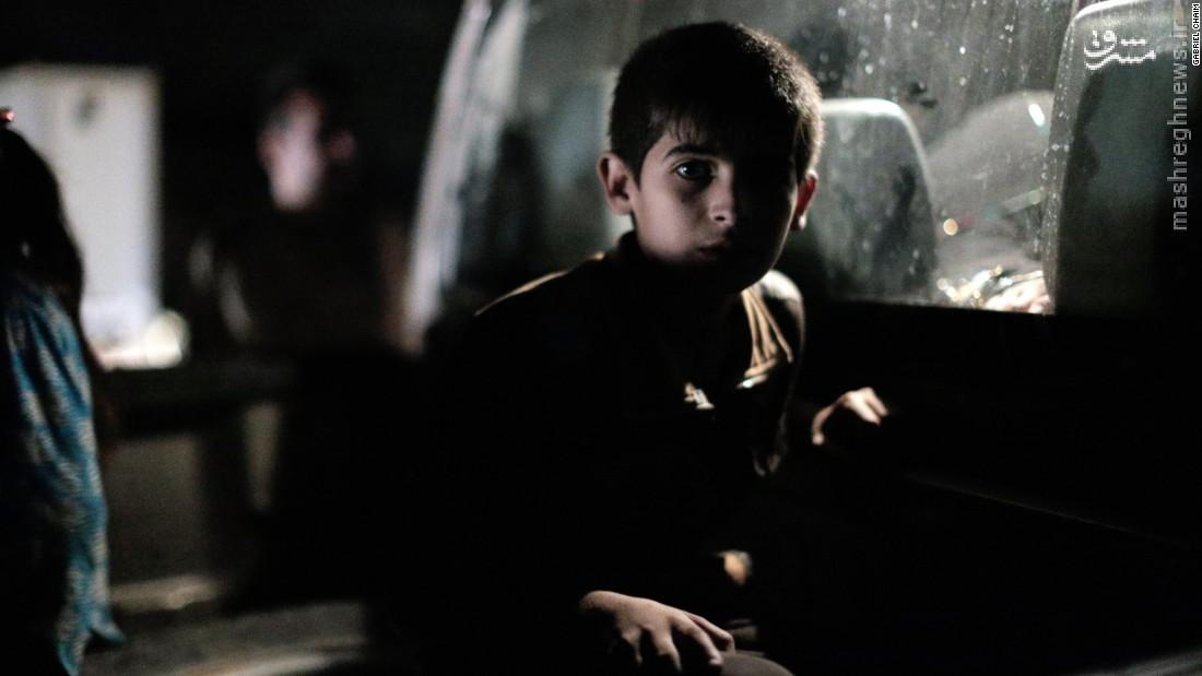فرار ده ها موصلی از جهنم داعش در تاریکی شب