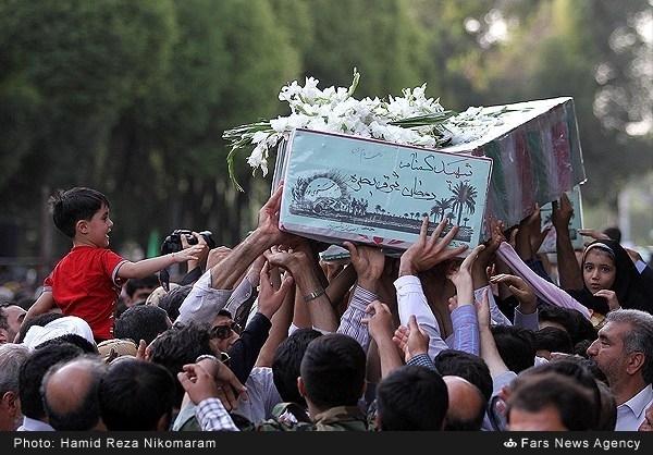 تشییع آلالههای سرخ کربلای ایران در میهن اسلامی/ میزبانی دیار دلیرمردان از فرزندان روحالله