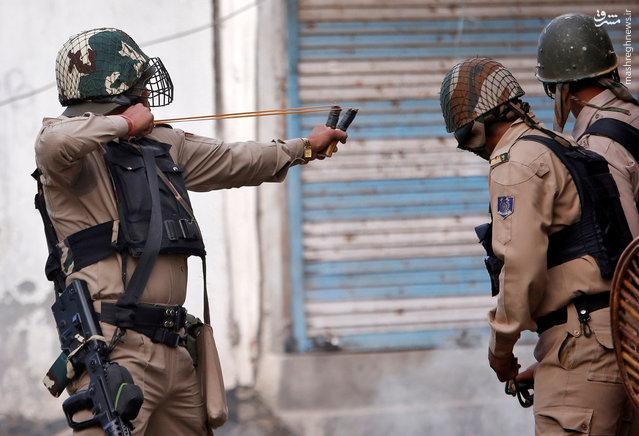 عکس/ سلاح عجیب پلیس هند