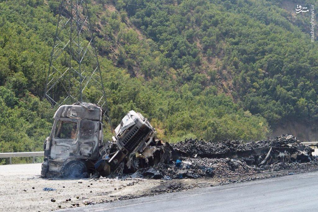 حمله تروریستهای پ.ک.ک به خودروهای باری در مرز با ایران+عکس