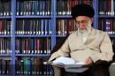 «رمان»هایی که آیت الله خامنهای آنها را خوانده است +عکس