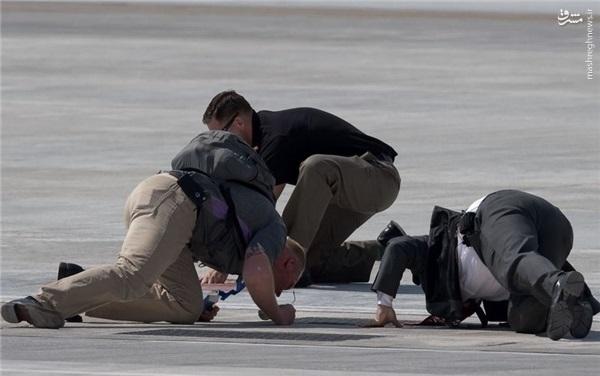 تیم امنیتی اوباما در حال چک کردن باند فرودگاه