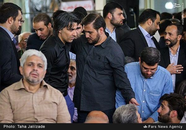 عکس/ وحید شمسایی در ختم والده منصور ارضی