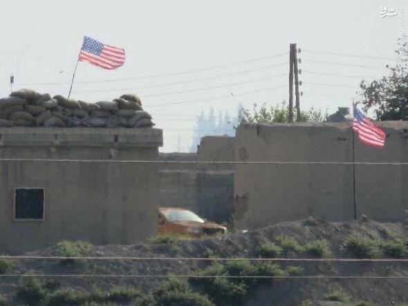 برافراشته شدن پرچم آمریکا در تل ابیض سوریه!+عکس