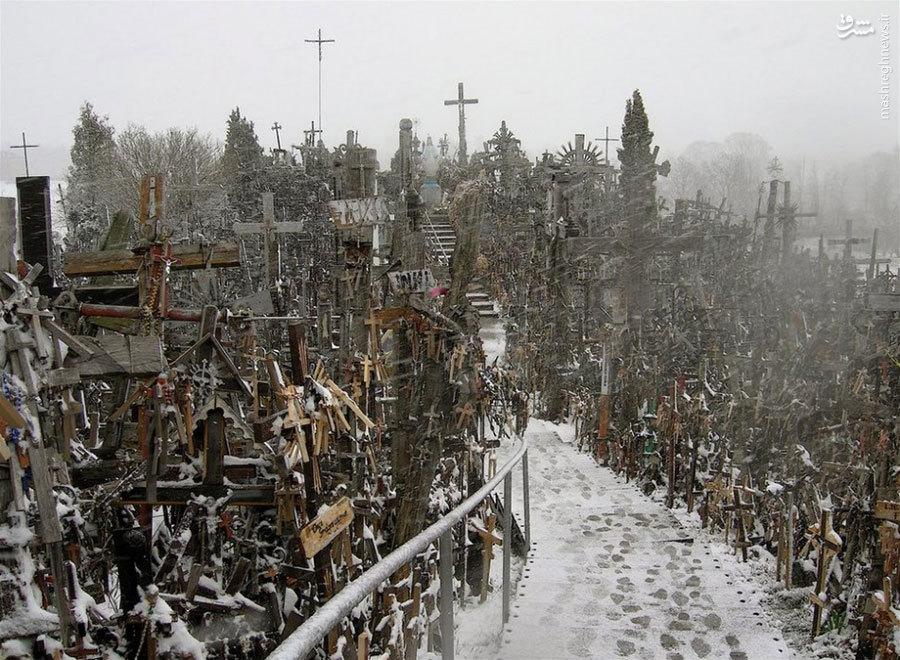 گورستان شمشیر در لیتوانی