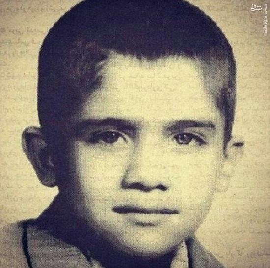 احمدرضا عابد زاده درکلاس اول دبستان