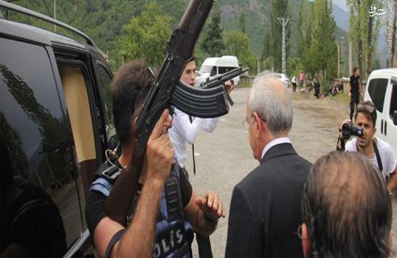 لحظه ترور ناکام رهبر مخالفان اردوغان+عکس