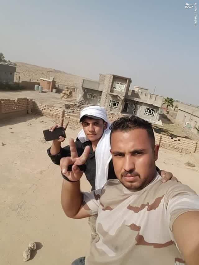 حمله ساکنین شرقاط عراق به منازل فرماندهان داعش+عکس