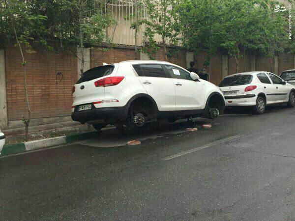 عکس/ سرقت از شاسیبلند کرهای در تهران!