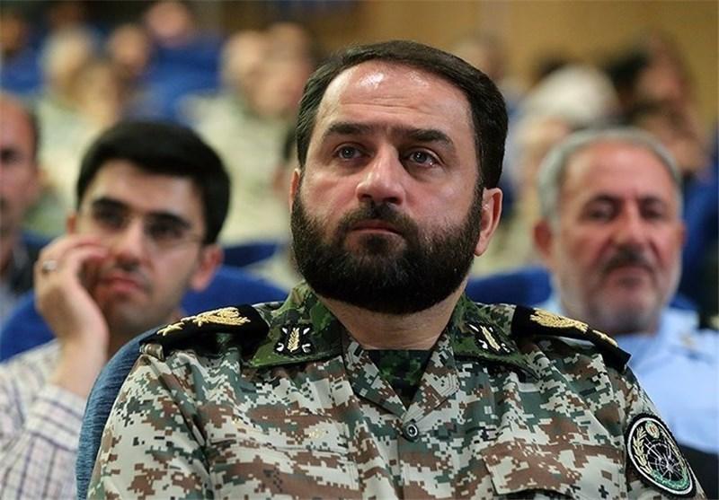 انتقاد «فرمانده» از حقوقهای نجومی و خوش بینی به دشمن