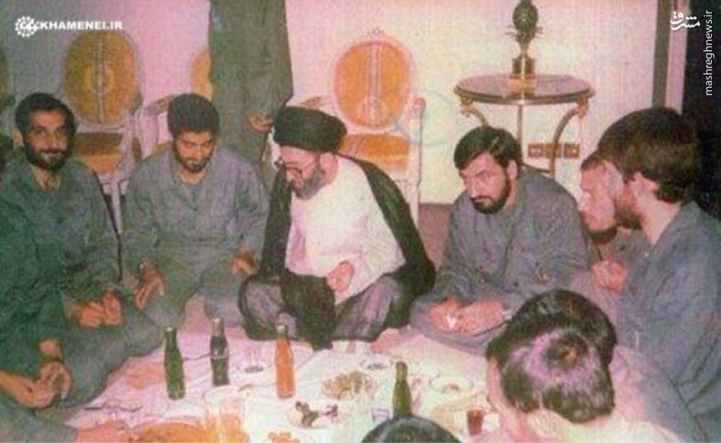 عکس/سردار سليمانی و شهید مهدی باکری در کنار رهبر انقلاب در جبهه