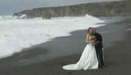 رقابت نوکیسهها در ترویج رسوم جدید مراسم عروسی/ کلیپ آشنایی عروس و داماد در استانبول: 15 میلیون!