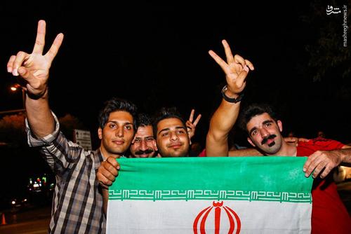 روحانی: یک راه کاهش فاصله میان ایران و آمریکا همکاری اقتصادی است/ دلیلی ندارد رهبری با توافق هستهای مخالفت کنند/ وزارت خزانهداری آمریکا: برجام اقتصاد ایران را آسیبپذیر میکند/ جاسوسی آمریکاییها از احمدینژاد و روحانی/ رئیس دفتر رئیسجمهور: لغو تحریمها به خوبی انجام گرفته است