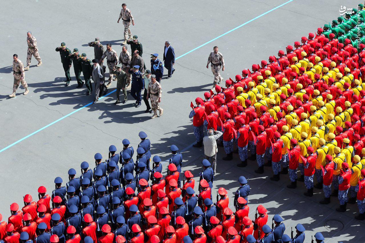 نیروهای مسلح باید همواره آماده ایفای نقش باشند / دوست و دشمن به شجاعت و اقتدار ملت ایران معترف هستند
