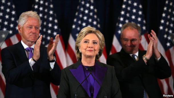 راز لباس بنفش کلینتون پس از شکست در انتخابات چیست؟+عکس