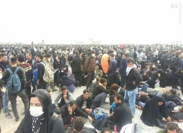 فقدان امکانات و زائران سرگردان در بیابان های مرز مهران +تصاویر