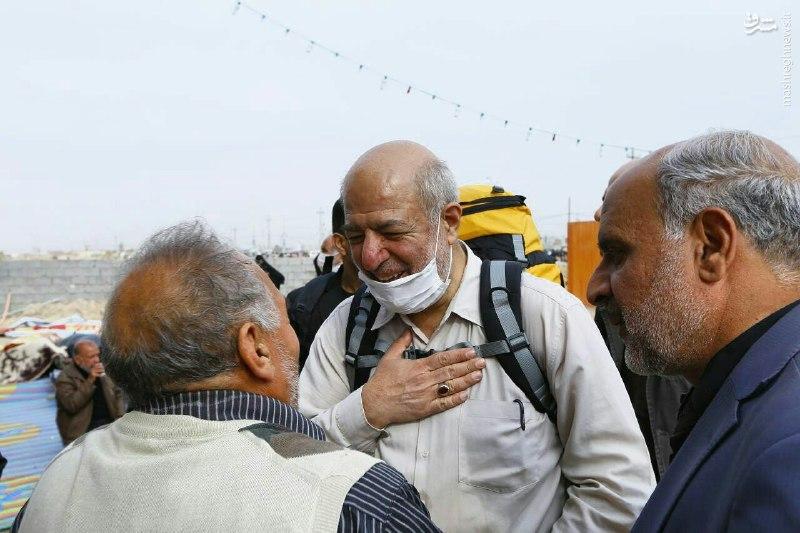 عکس/ آقای وزیر با کوله پشتی پیاده در راه کربلا