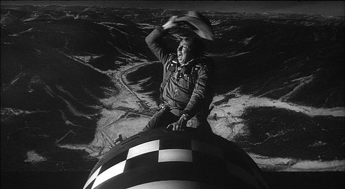 استنلی کوبریک 1964 : چگونه یاد گرفتم دست از نگرانی بردارم و به بمب اتم عشق بورزم