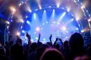مردم در انتظار بهبود معیشت؛ دولت به دنبال وضع قانون برای 9 کنسرت لغو شده در سال