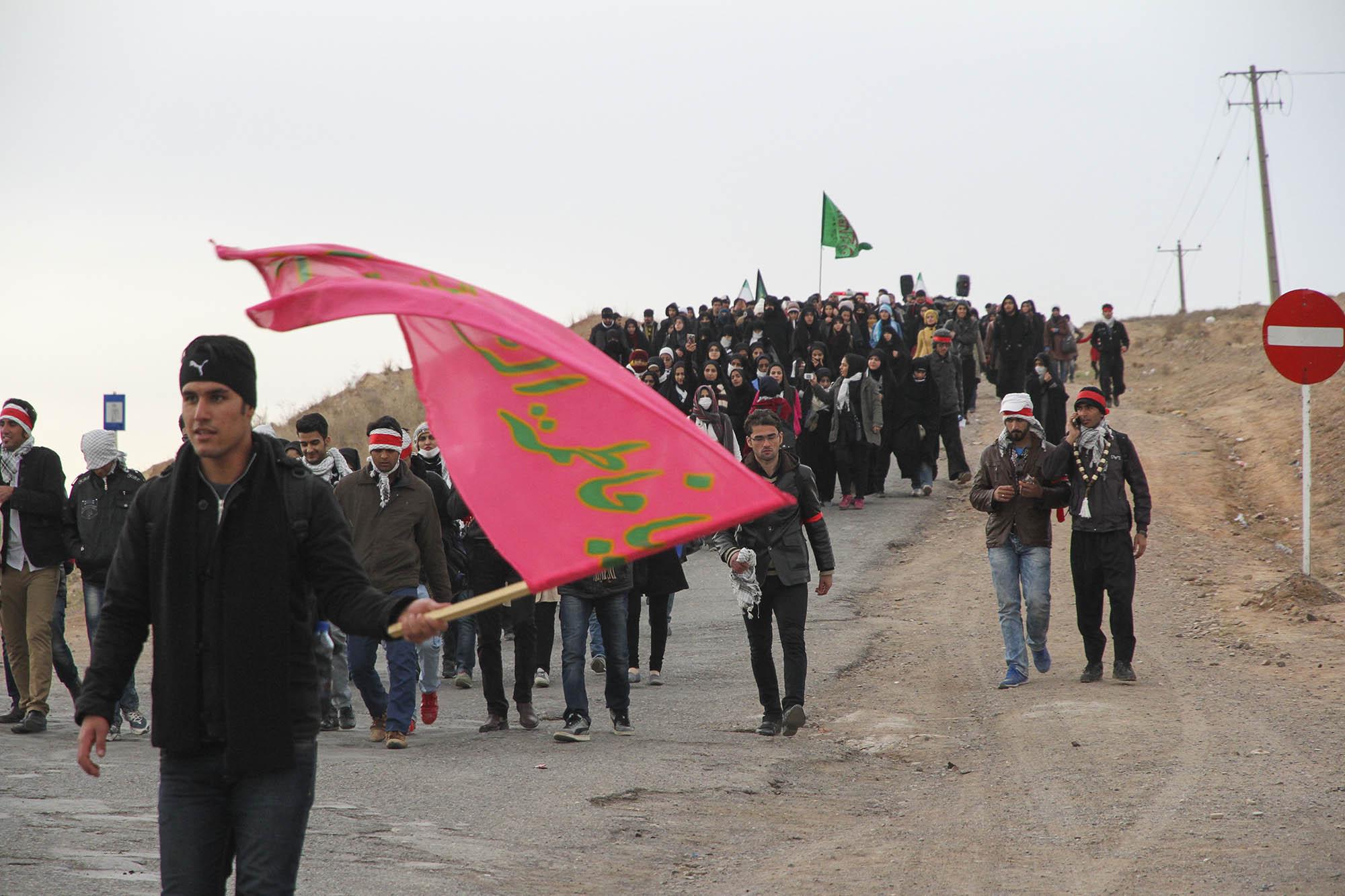 حضور بیش از 1500 دانشجو در پیادهروی مشهدالرضا(ع)