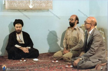 1360/ برادران ِدکتر مصطفی چمران در دیدار با مرحوم حاج سید احمد خمینی