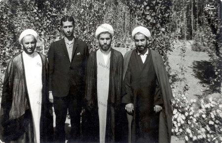 استادعلی دوانی در کنار شهید دکتر محمد مفتح