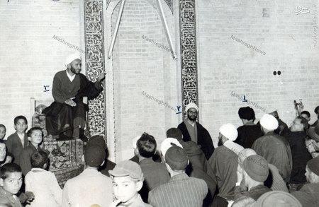 استاد علی دوانی در حال سخنرانی در مدرسه حجتیه قم
