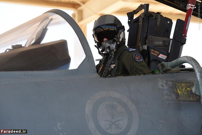 خلبان عربستانی پیش از پرواز به سمت یمن در پایگاه
