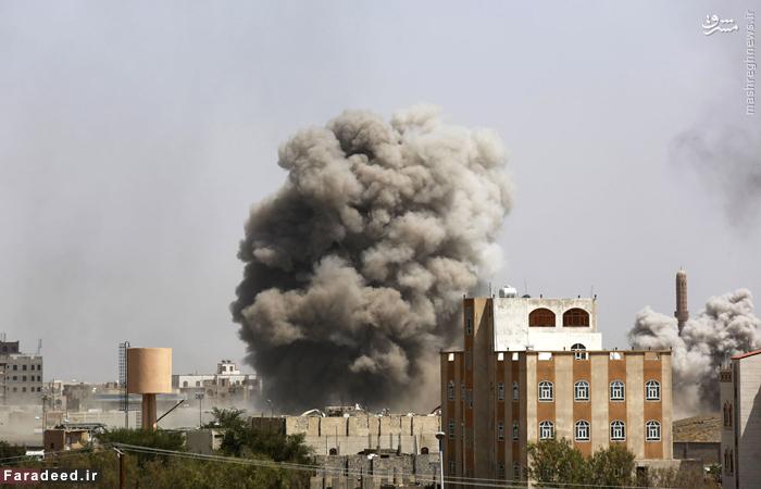 دود ناشی از بمباران هوایی صنعا توسط جنگنده های عربستان سعودی. 20 سپتامبر