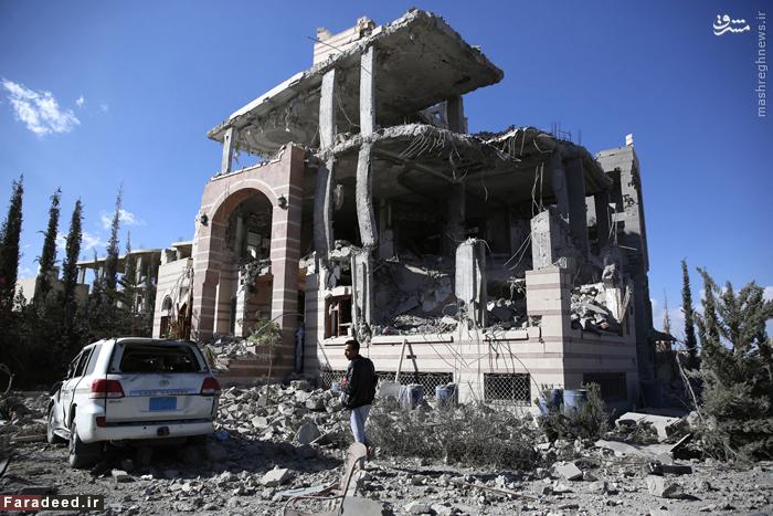 ویرانه های برجامانده از بمباران جنگنده های سعودی در صنعا. 8 ژانوی 2016