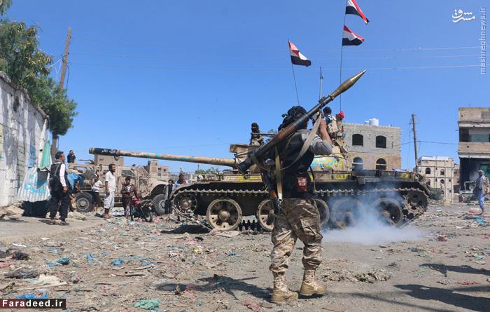 نیروهای طرفدار عربستان و رئیس جمهور مستعفی یمن در جبهه نبرد با نیروهای مقاومت مردمی در