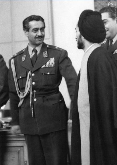 شهید نواب صفوی در لحظات اولیه دستگیری در فرمانداری نظامی تهران<br />