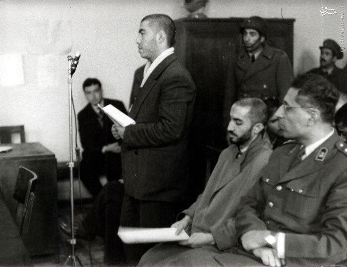 شهید سید محمد واحدی در حال ایراد دفاعیات خود در دادگاه نظامی<br /> <br />