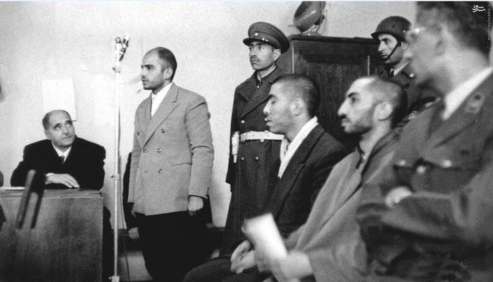 سید هادی میرلوحی برادر شهید نواب صفوی درحال ایراد دفاعیات خود در دادگاه نظامی<br /> <br />