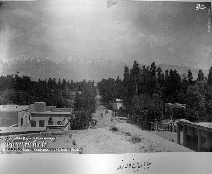 خیابان لاله زار در دوره ناصری که تتمه انبوه درختان باغ دیده می شود