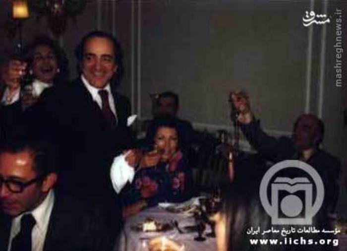 یک سال قبل از سقوط (1978) امیرعباس هویدا، لیلی امامی، شاهین آقایان، عبدالمجید مجیدی و منوچهر شاهقلی