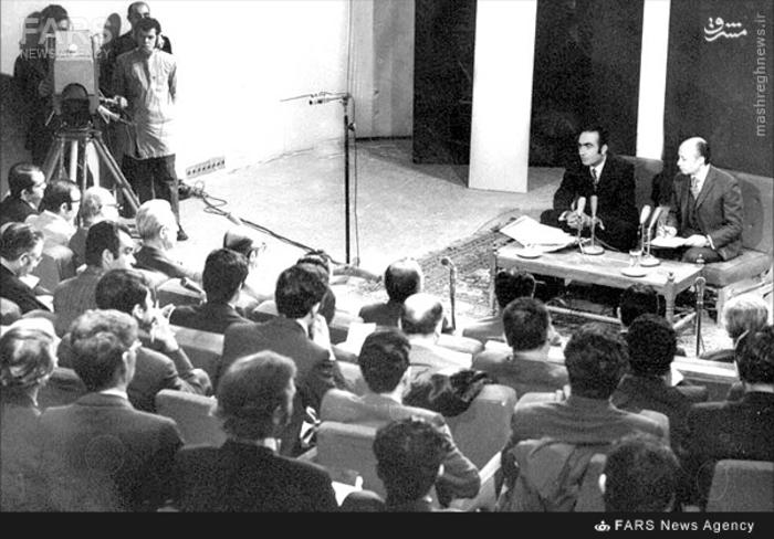 3-نمایی از کنفرانس مطبوعاتی پرویز ثابتی «معروف به مقام امنیتی»که در محل کمیته مشترک ضد خرابکاری انجام شد