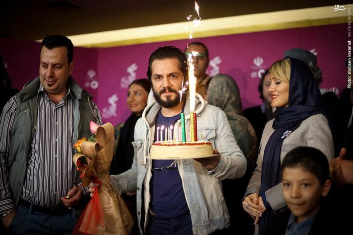 گرفتن تولد برای عباس غزالی توسط عوامل فیلم