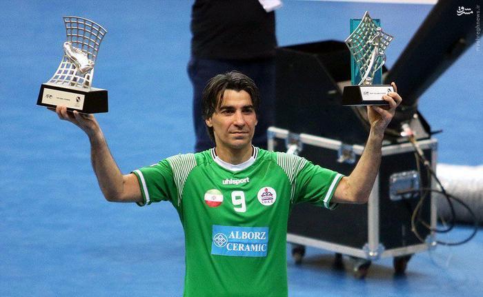 دو جایزه و دو افتخار برای ایران؛ یکی جایزه بهترین بازیکن اسیا و یکی آقای گلی.